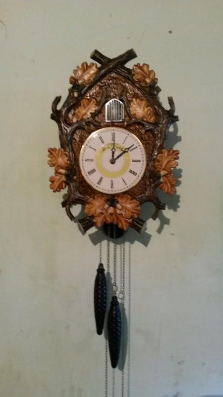 Ručne vyrezávané hodiny